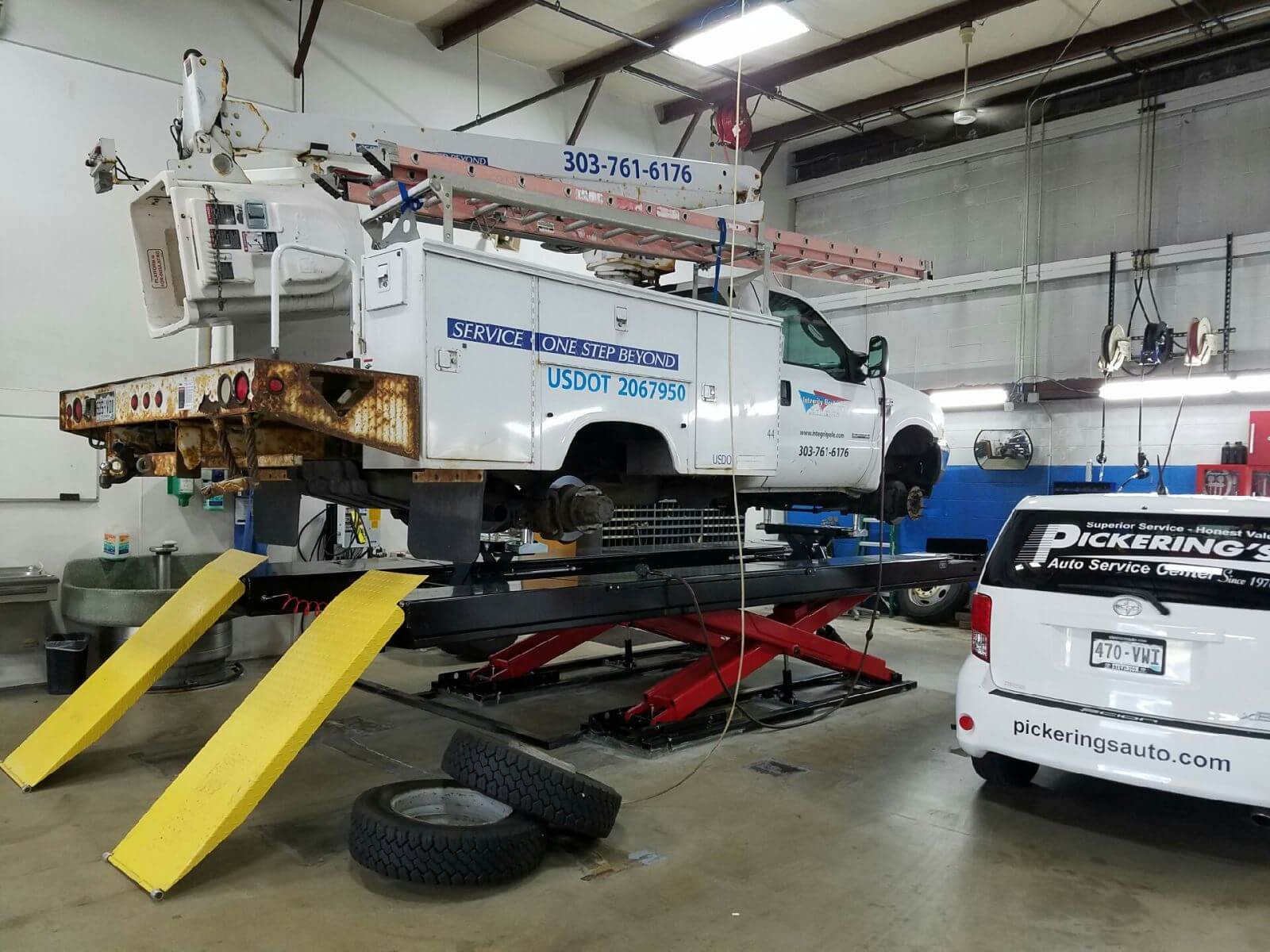 Fleet Bucket Truck Repair | Pickering's Auto Service